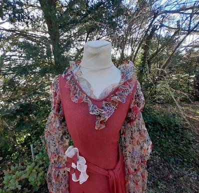 a - Belle ROBE VINTAGE ... Volants -